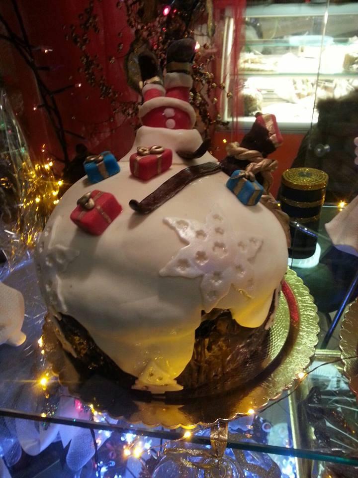 Panettoni decorati con Presepi, Panettoni decorati in pasta di zucchero